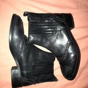 Women's size 10 black ASOS Chelsea boots